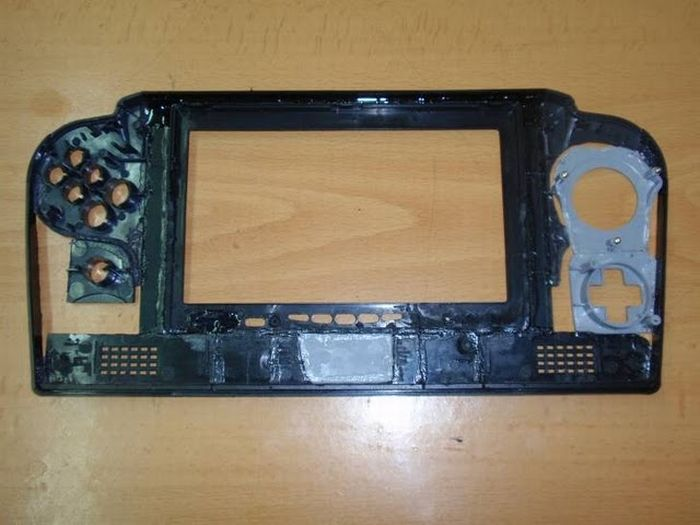 How this guy transform Nintendo 64 into A Handheld game console 29